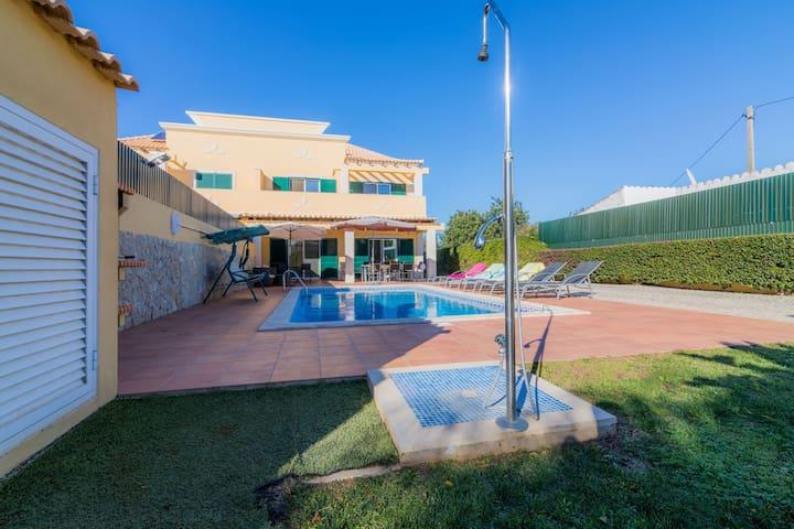 Villa V4 Piscina Almancil - Prox. de Vale do lobo.