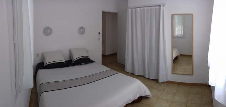 Simple room in Argeles-sur-Mer