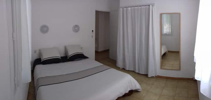 Simple room in Argeles-sur-Mer