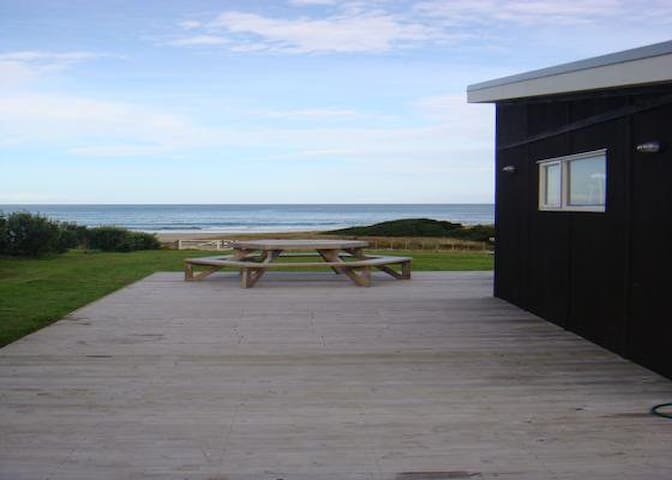 Whangaehu Beach House with Awesome Sea Views