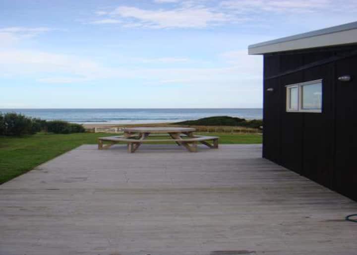 Whangaehu Beach House with Awesome Sea Views