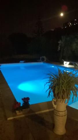 Grande villa con piscina - Melilli - Villa