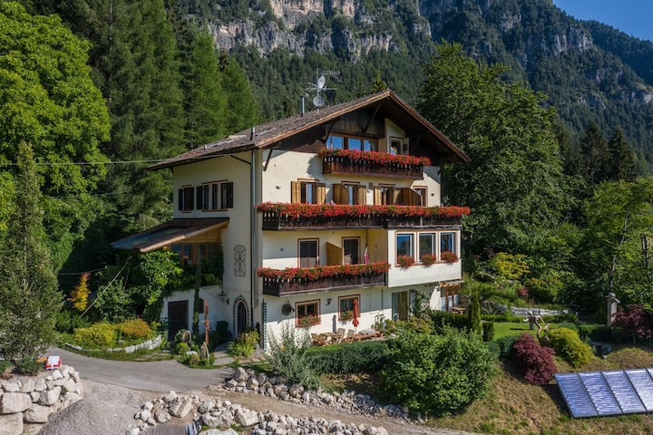 """Holiday Apartment """"Mooskofel"""" on the Baumannhof with Wi-Fi & Balcony; Parking Available, Pets Allowed"""