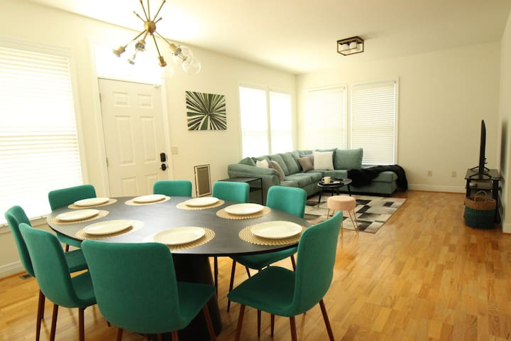 Living Room & Dining Room: here you can find a smart TV & sofa couch that can accommodate two guests
