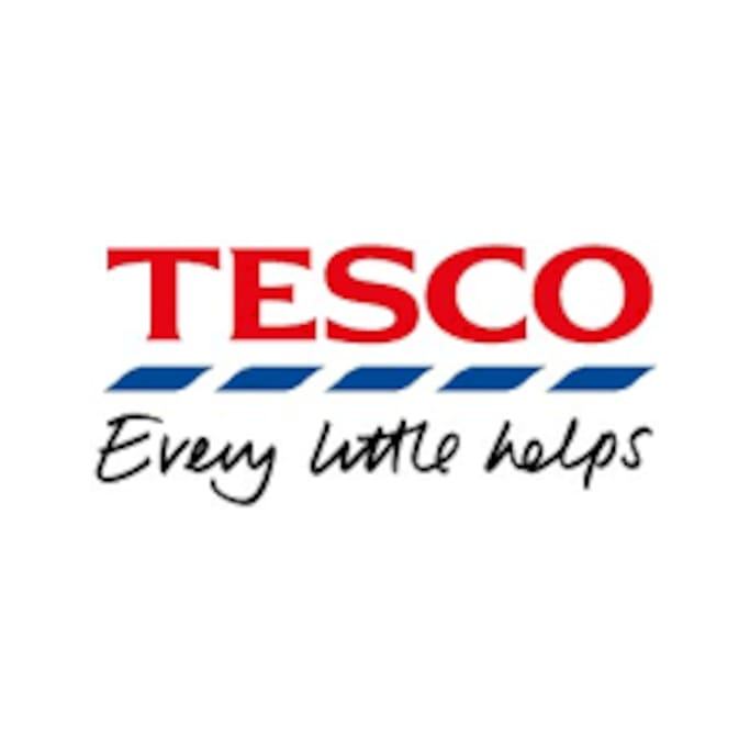 Tesco - 1 minutes walking distance