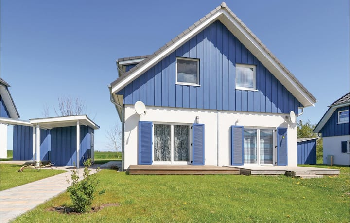 Nice home in Altefähr/Rügen with WiFi and 2 Bedrooms
