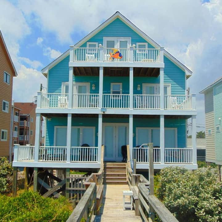 THE BIG GROUPER HOUSE - This House has it All.  Oceanfront with room for the Whole Family