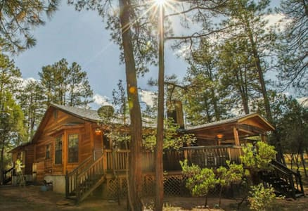 Cabin & Casita Surrounded by Pines - Casa