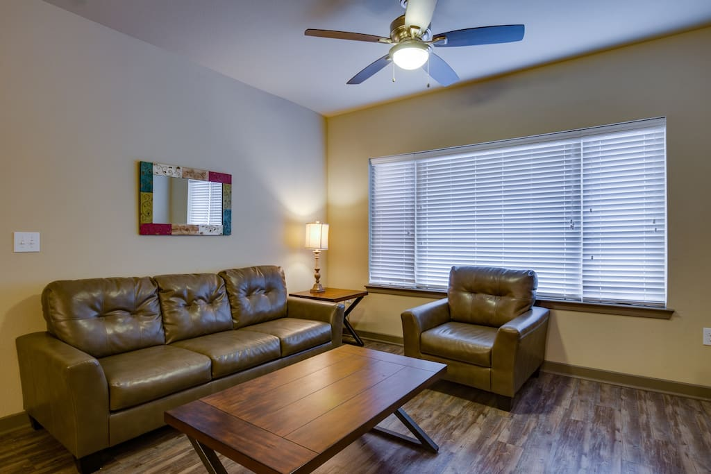 Stay Smart Uptown  Downtown 2br  132