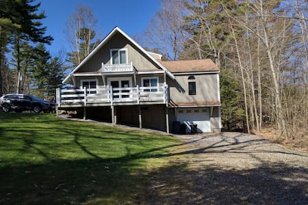 Pinecrest, 4-season home in the Lakes Region - House