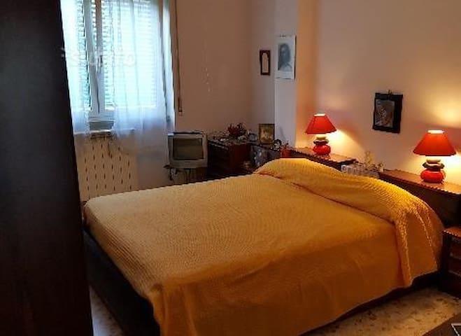 Stanza comodissima e solitaria - Napoli - Apartment