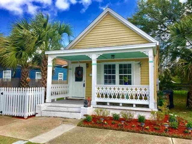 Heart of Downtown Pensacola Home, BEST Location!