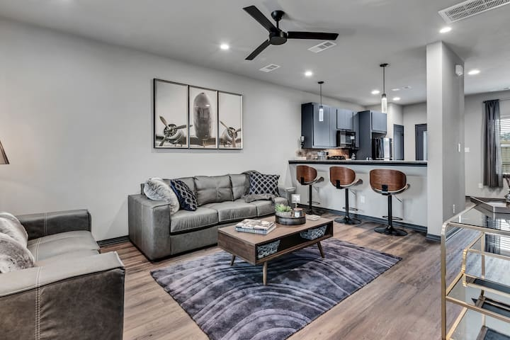 Beautiful New Fully Furnished Condo-#301