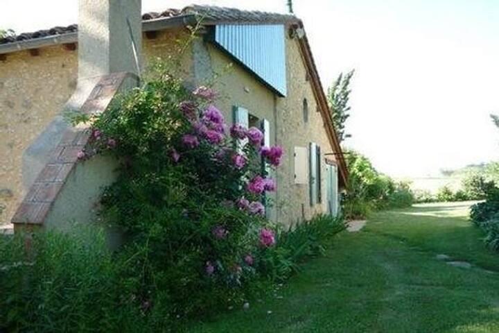 Gite Calme Absolu dans la Toscane française