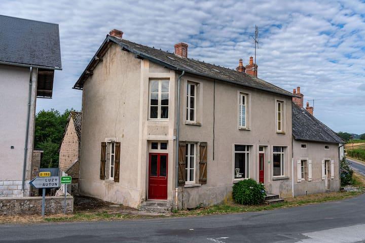 Gorgeous, tastefully restored village hall with lovely garden in Burgundy