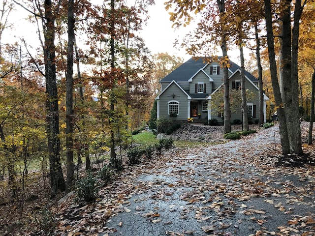 Enjoy the Full HOUSE - Blue Ridge Beauty!