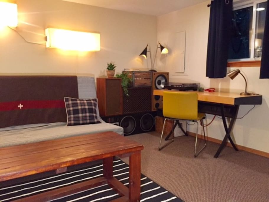 Centrally Located Bitchen 2 Bedroom Apartment Guest Suites For Rent In Portland Oregon