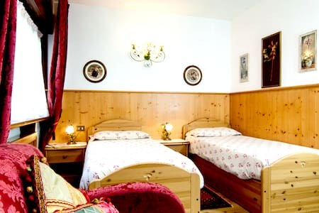 Family room in Cortina - Cortina d'Ampezzo - Bed & Breakfast