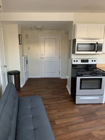Downtown City Center - Walking Distance From All