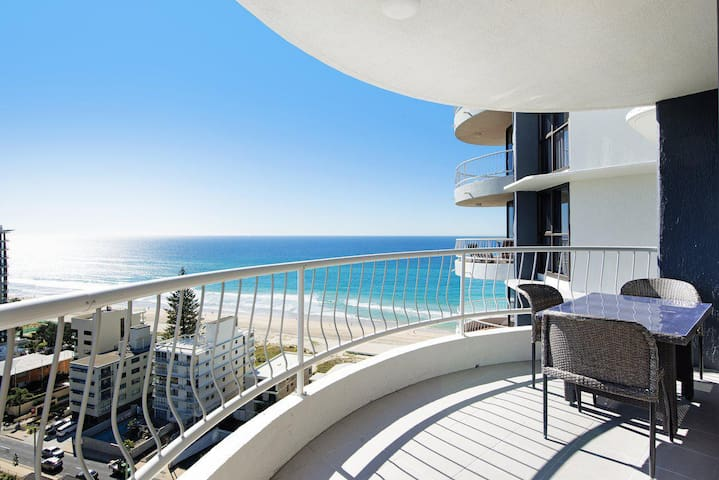 Acapulco 2 Bed Ocean View Surfers Paradise