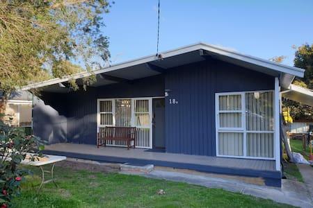Lovely 2 Bedroom Home near Tuggerah Lake