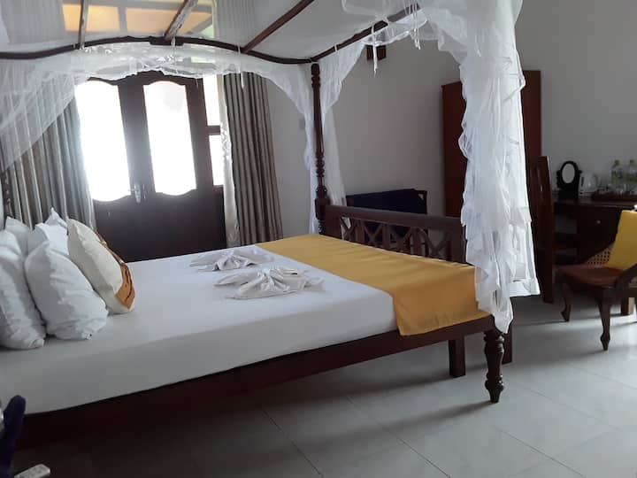 Flamingo Guesthouse Sea view room