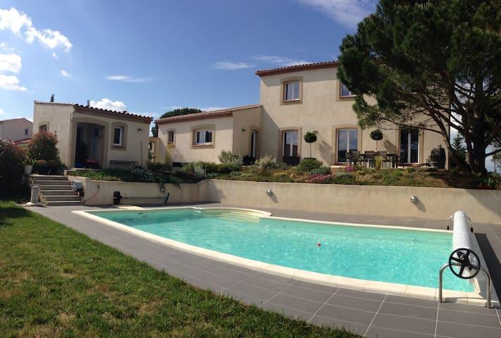 Grande villa avec piscine... - Carcassonne - House