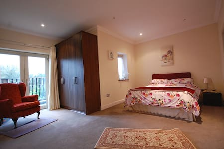 Very comfy rooms South of Dublin - Saggart