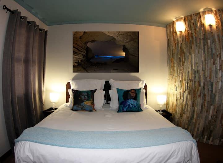 Roundhouse - Luxury Apartment