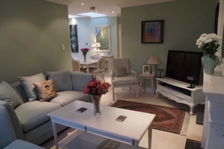 Luxury 1 bed flat with rooftop in Kensington - London