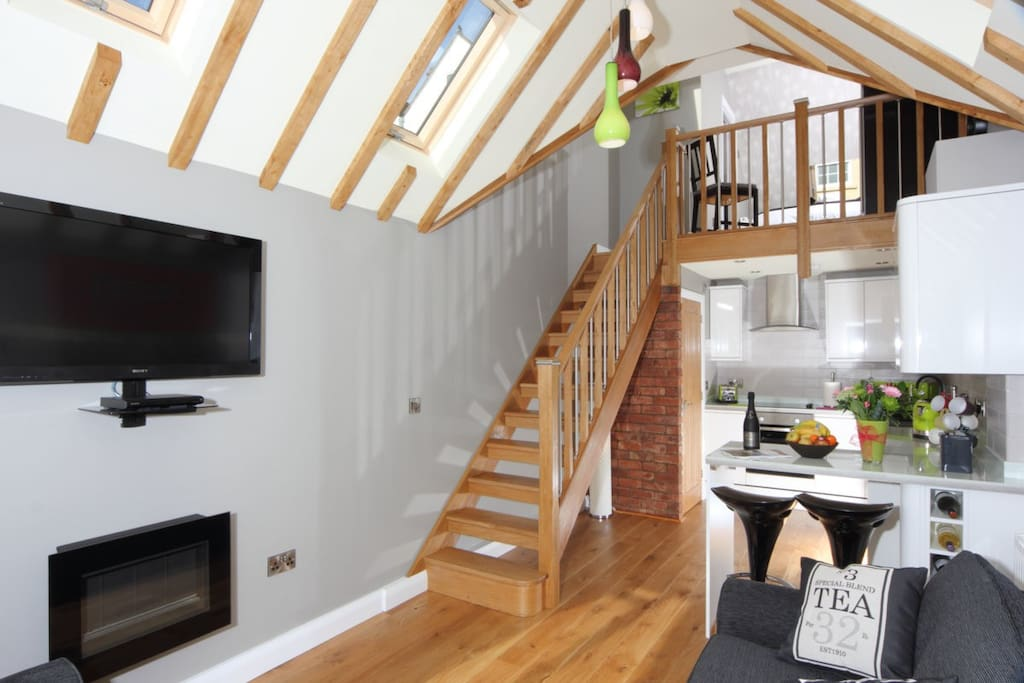Walton Apartment (one bedroom, small en suite,loung & kitchen area,plus downstairs WC)