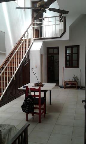 Casa amplia y luminosa, ubicada en Pichincha. - Rosario - Rumah