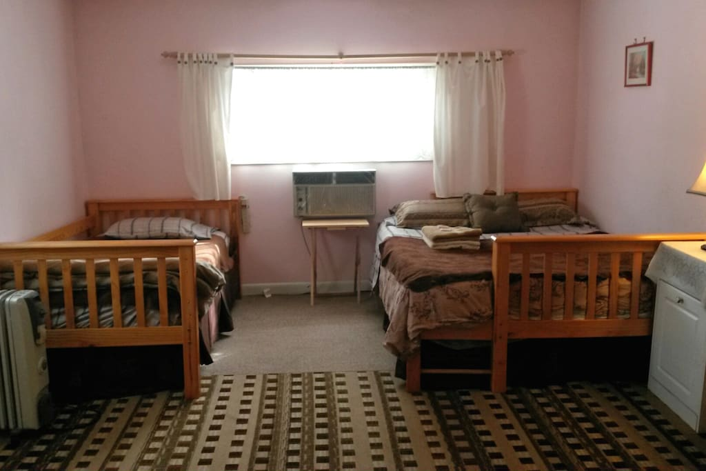 Bedroom 1 (queen and single bed) included when renting for up to 3 guests