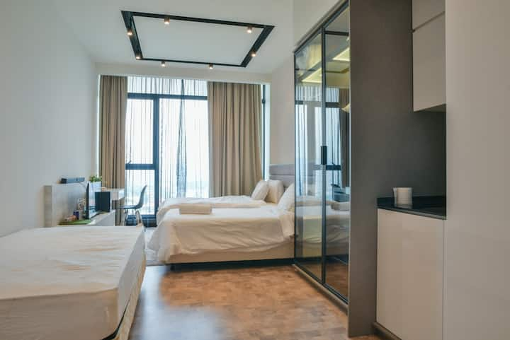 Expressionz-3 beds -studio-Netflix-cozy place