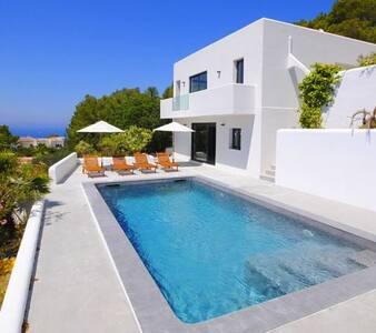 Ibiza - Cala Tarida Villa, stunning views, privacy