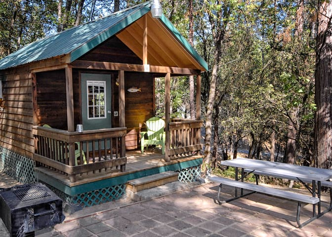 The Lazy Z Resort Cottage for Two I - Twain Harte - Stuga