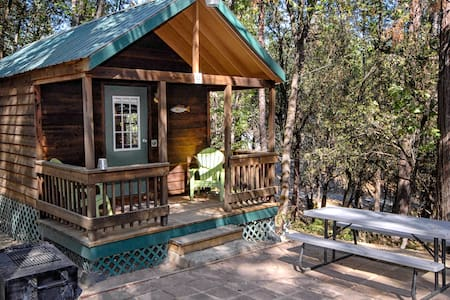 The Lazy Z Resort Cottage for Two I - Twain Harte