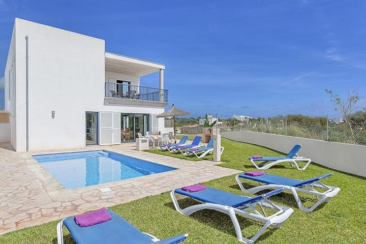 Magdalena 3 bedroom villa with private pool