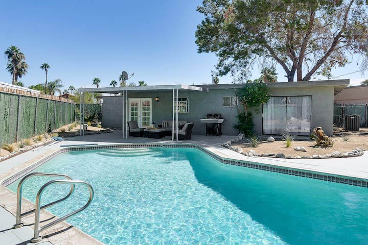 Sunny Pool Home Near Rancho Mirage Golf Courses