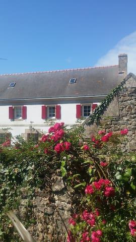 Belle demeure sur la falaise - Cléden-Cap-Sizun - House
