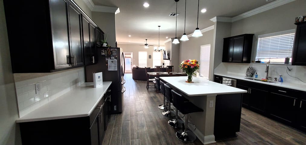 Private/Spacious New Home. 9 Min LSUS  16 min BAFB