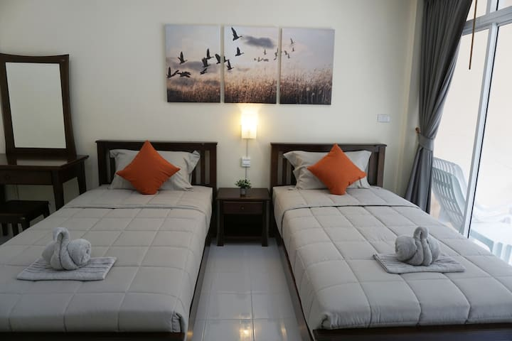 Convenient & Cozy 3 Bedroom Apartment for 8 people - Ko Lanta Yai - Apartment