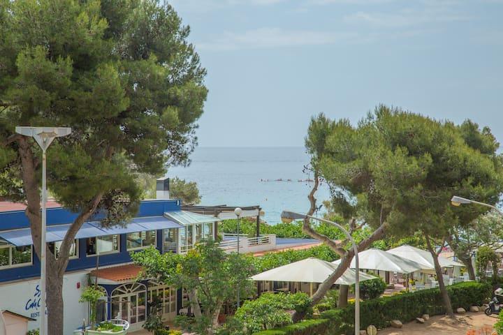 Apartamento 30 metros de la playa con parking