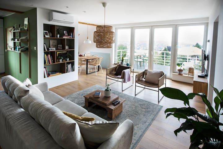 Fresh air/ balcony w view / 3 room / 2 bath
