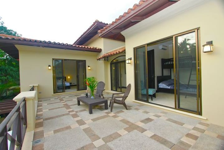 PRIVATE BIG IN SUITE VILLA NEXT TO THE BEACH- POOL