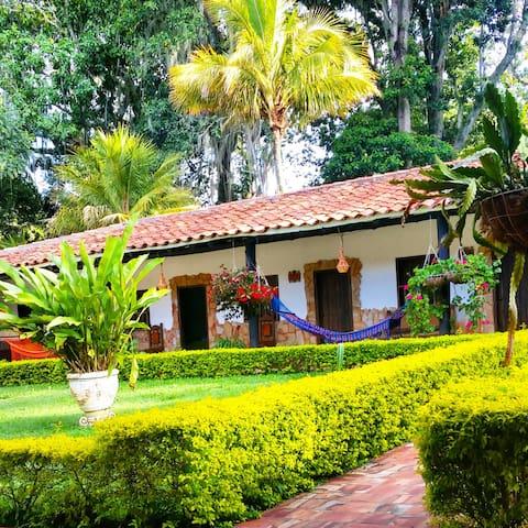 Un rincón en Pinchote - San Gil - Alojamento ecológico