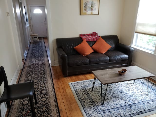 Cozy 2 Bedroom Logan Square apt. by transportation
