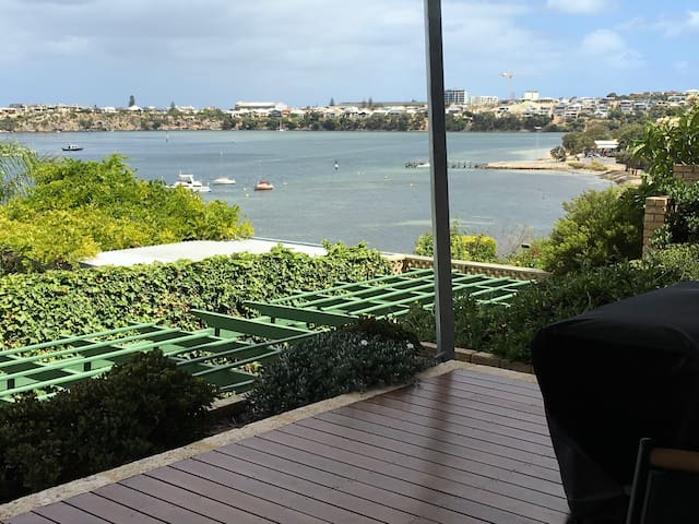 Stunning River Views - East Fremantle - Appartement