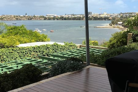 Stunning River Views - East Fremantle - Byt