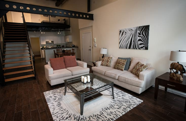 Loft on 12th: Channelside/Downtown Tampa